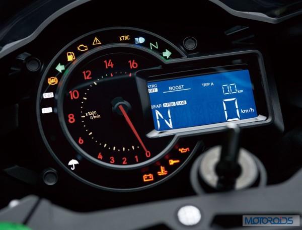 Kawasaki-Ninja-H2-Official-Image-11-Instruments