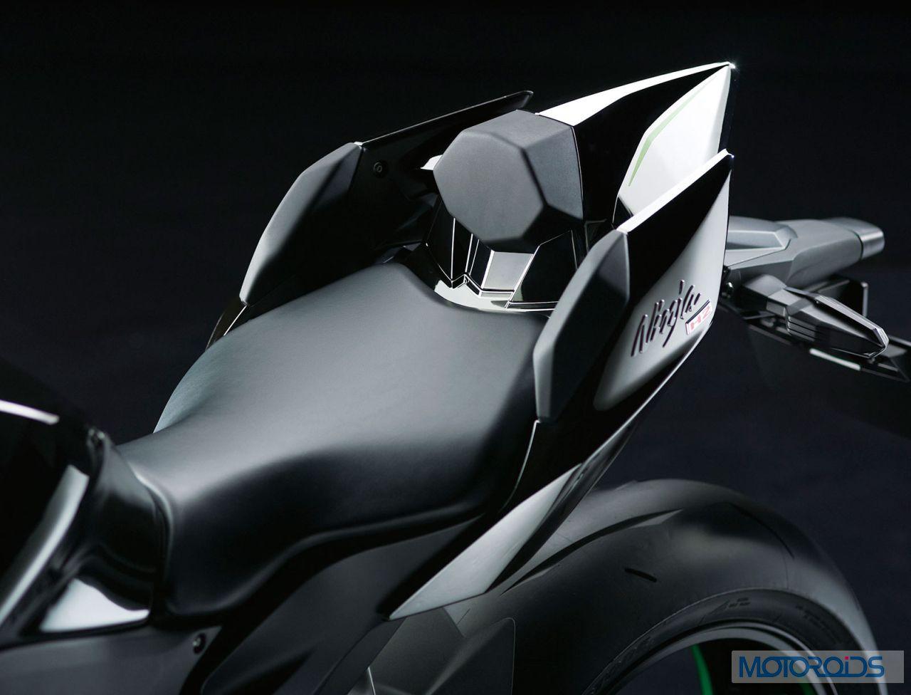 Kawasaki-Ninja-H2-Official-Image-29-Seat