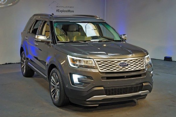 New-2016-Ford-Explorer-Launched-At-LA-Auto-Expo (1)