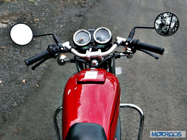 New-Hero-Splendor-Pro-Classic-Review-Tank-Handlebar