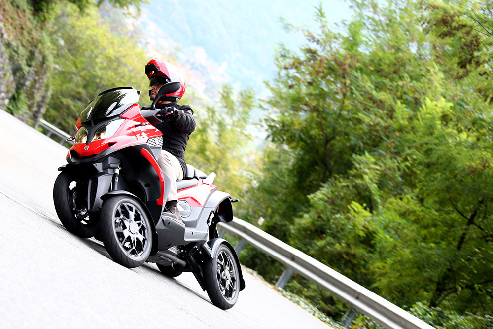 Four Wheeler With Rims: Meet Quadro4- The World's First 4 Wheeled Tilting Scooter