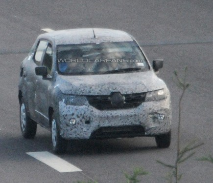 renault low cost crossover spied to sit below the duster motoroids. Black Bedroom Furniture Sets. Home Design Ideas