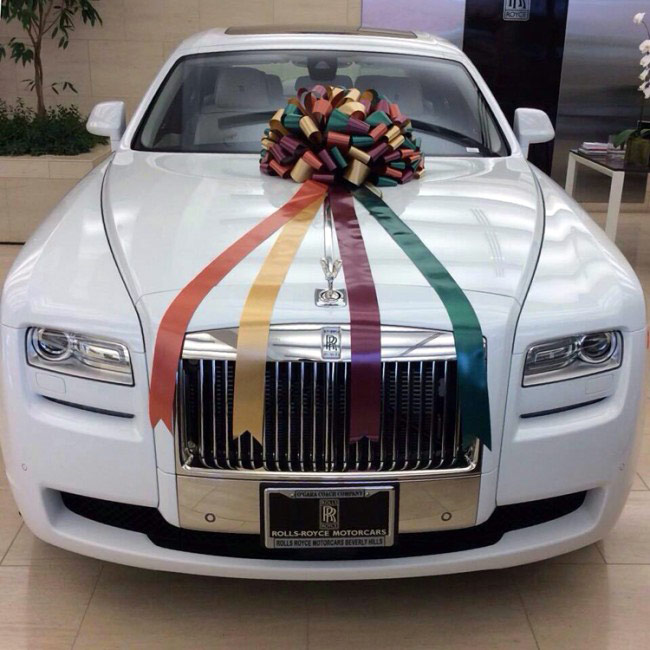 Salman Khan gifts his sister Arpita a Rolls-Royce Ghost on her wedding ...