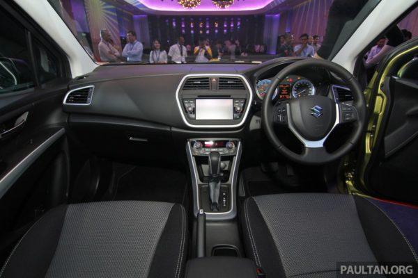 Suzuki S-Cross dashboard