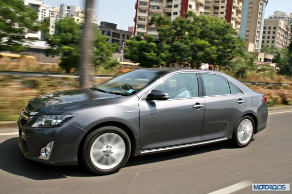 Toyota Camry Hybrid (11)