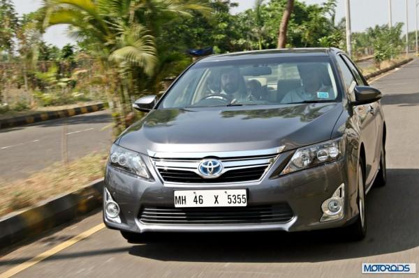 Toyota Camry Hybrid (9)