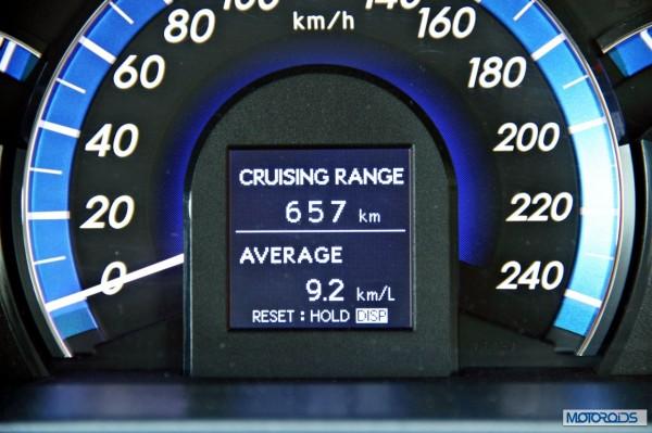 Toyota Camry Hybrid Instrumentation (1)