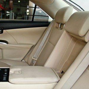 Toyota Camry Hybrid Seats (3)