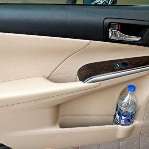 Toyota Camry Hybrid door-pads (1)