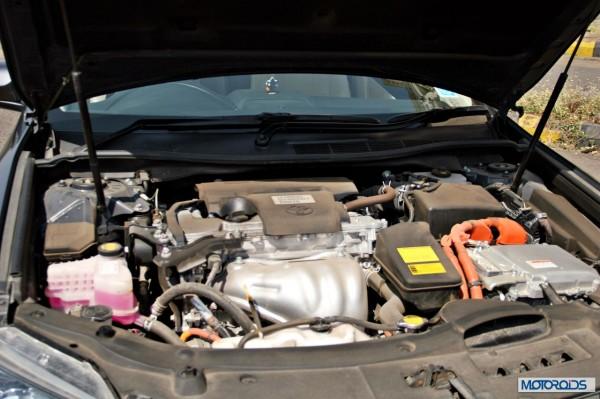 Toyota Camry Hybrid engine bay