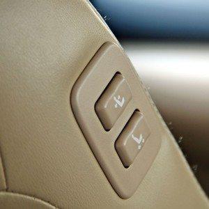 Toyota Camry Hybrid interior detail (2)