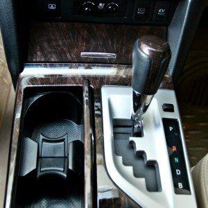 Toyota Camry Hybrid interior detail (9)