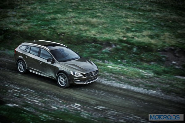 Volvo-Cars-reveals-new-V60-Cross-Country-Official image-2