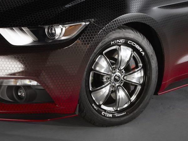 ford-racing-king-cobra-mustang-gt-5