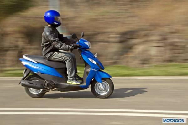 suzuki-lets-riding-right