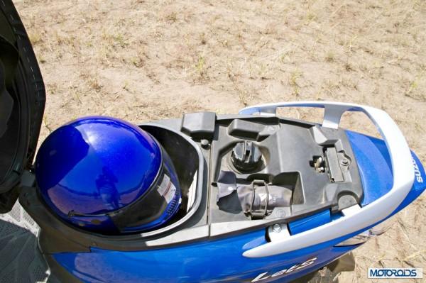 suzuki-lets-underseat-storage-helmet