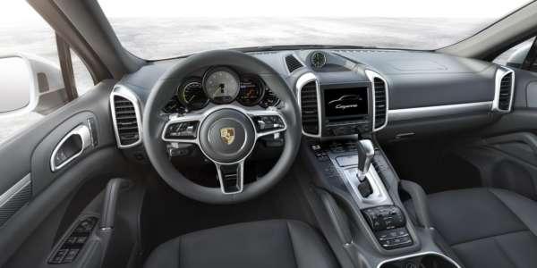 2015-Porsche-Cayenne-facelift-interior