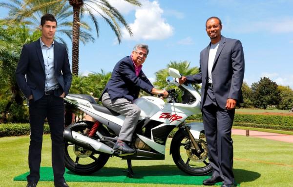 Hero-MotoCorp-Ropes-In-Tiger-Woods-As-Brand-Ambassador-1.jpg.pagespeed.ce.R1dvXSmsTlJIWrdz79nM