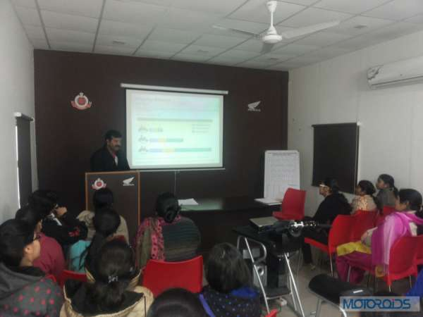 Honda-Dream Riding-training-at-Honda-Traffic-Training-Park-Delhi (2)