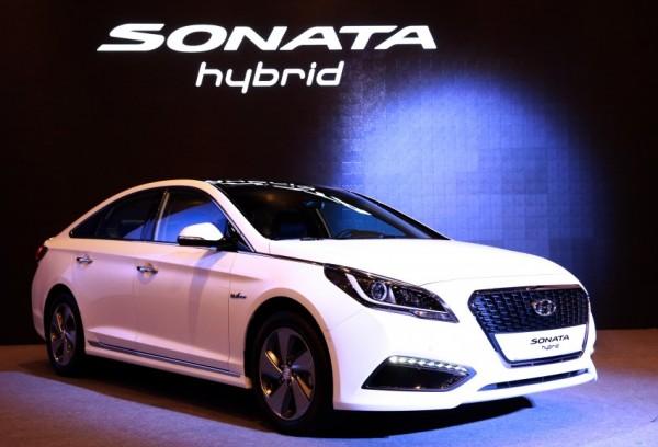 Hyundai Sonata Hybrid (4)