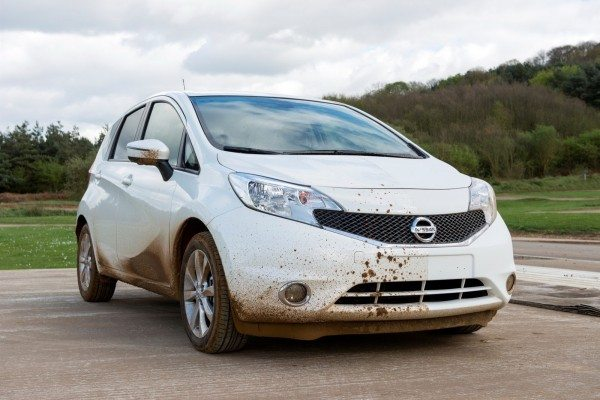 Nissan Self Cleaning Car (2)