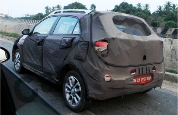 Spied-Hyundai-Elite-i20-cross-2