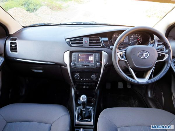 Tata Bolt dashboard (1)