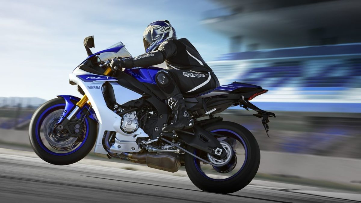 Upcoming Motorcycles 2015 – Yamaha YZF R1 – 2