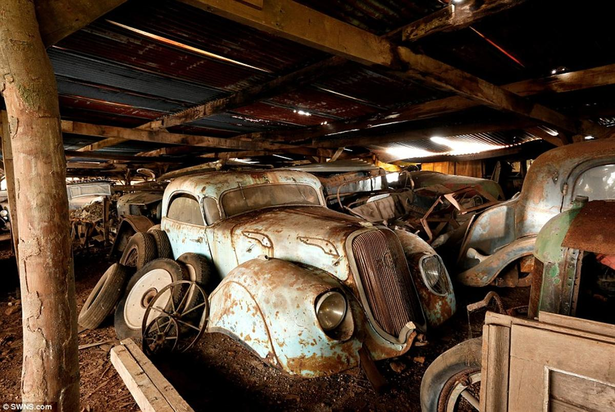 million cars in french barn