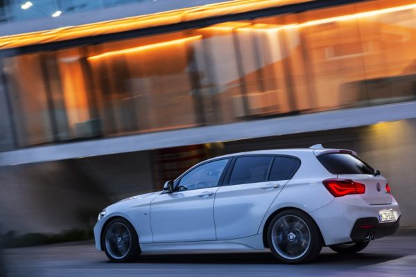 2015 BMW 1-Series (2)