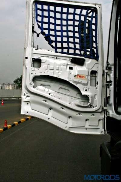 2015 Tata T1 Prima Race Truck door