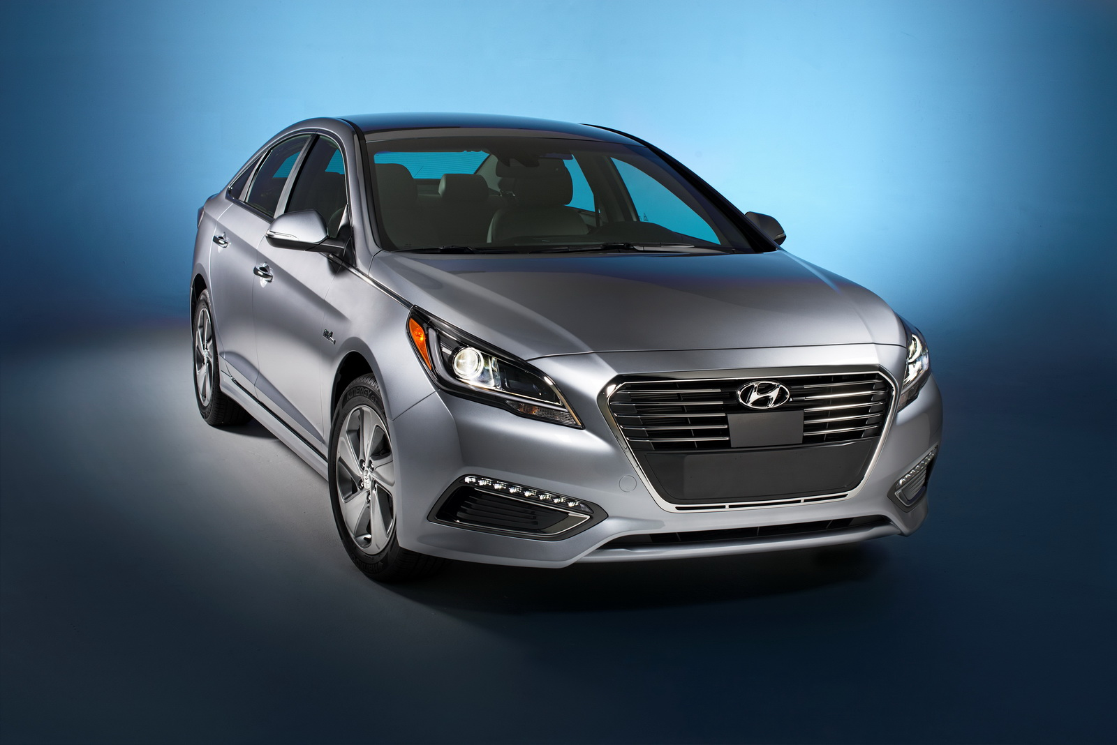 naias detroit 2015 2016 hyundai sonata plug in hybrid motoroids. Black Bedroom Furniture Sets. Home Design Ideas