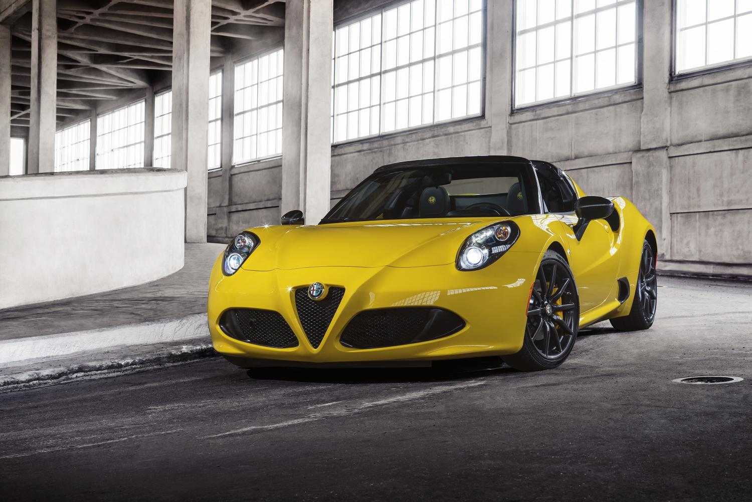 alfa romeo 4c spider official image 1. Black Bedroom Furniture Sets. Home Design Ideas