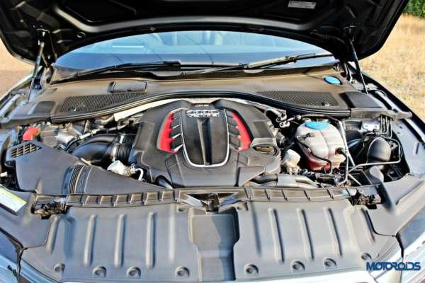 Audi RS7 engine3