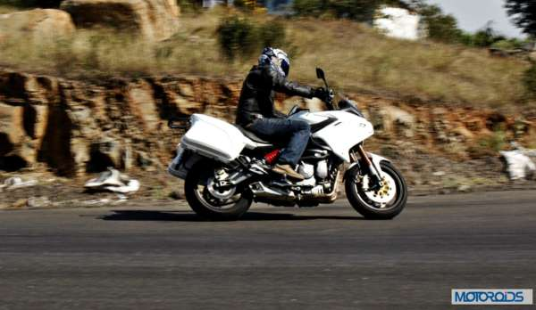 Benelli 600 GT Action (4)