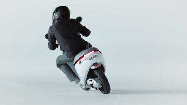 Gogoro-Smartscooter-image-2