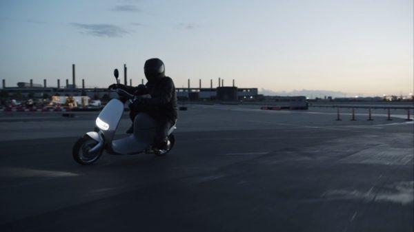 Gogoro-Smartscooter-image-6