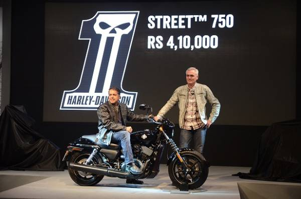 Harley-Davidson-Five-Year-Celebration (7)