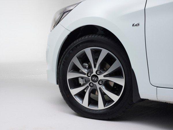 Hyundai Solaris wheel