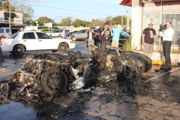 Lamborghini Gallardo on fire (1)