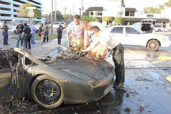 Lamborghini Gallardo on fire (2)