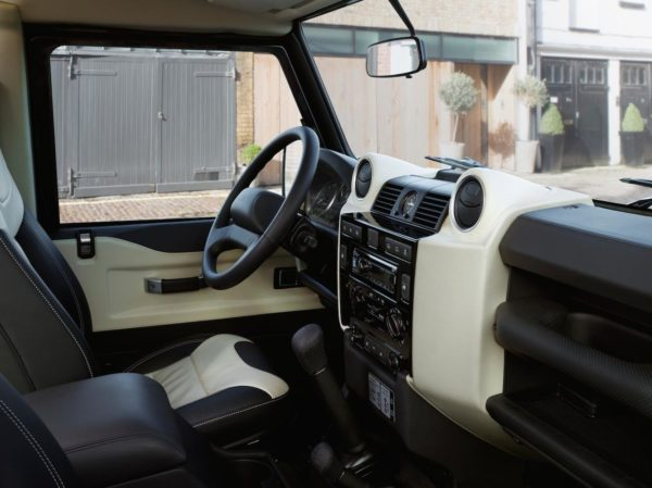 Land Rover Defender (6)
