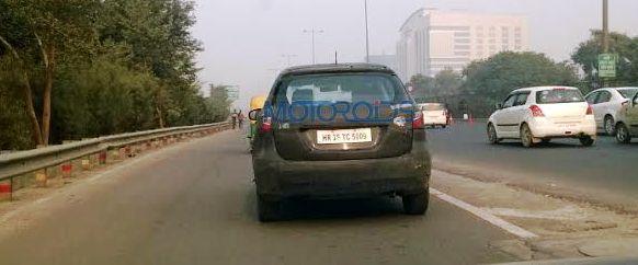 Maruti S Cross spied (2)