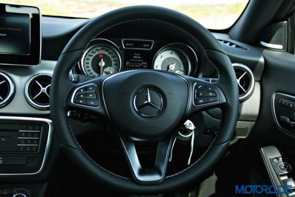 Mercedes-Benz CLA steering