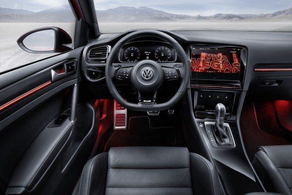 VolksWagen-Golf-R-Touch-Concept (10)