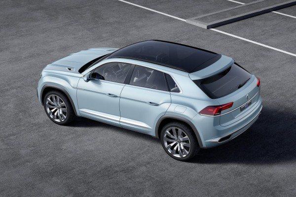 Volkswagen Cross Coupe GTE Concept (10)
