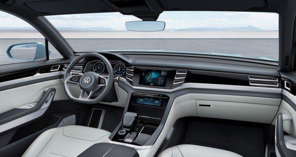 Volkswagen Cross Coupe GTE Concept (14)