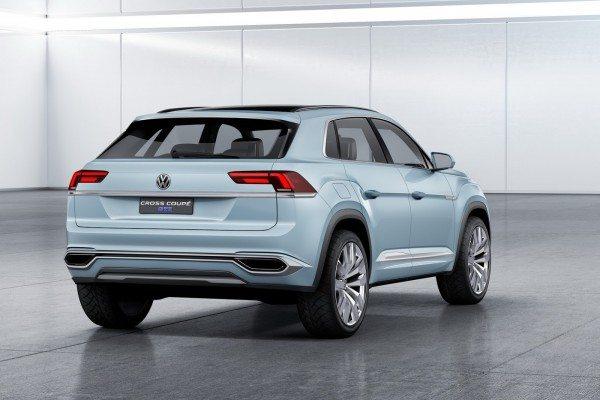Volkswagen Cross Coupe GTE Concept (2)