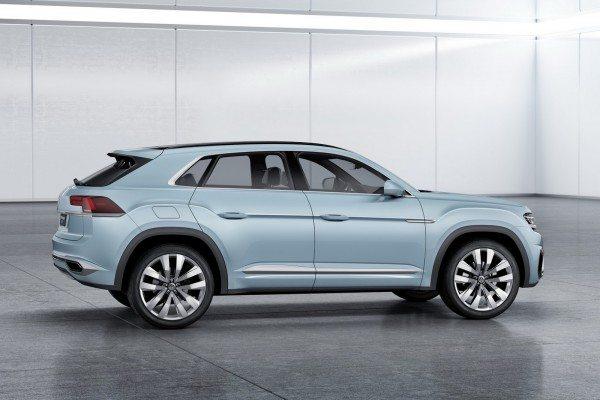 Volkswagen Cross Coupe GTE Concept (9)