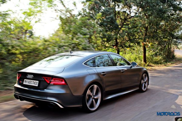 audi RS7 tracking shots front (2)